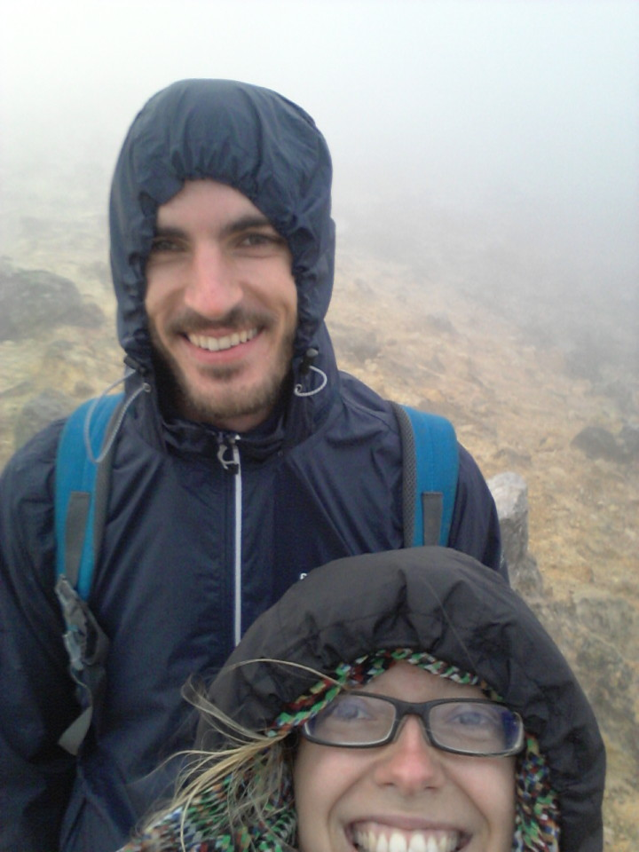 Etwas erschöpft und kaputt kämpften wir uns den Vulkan hoch.