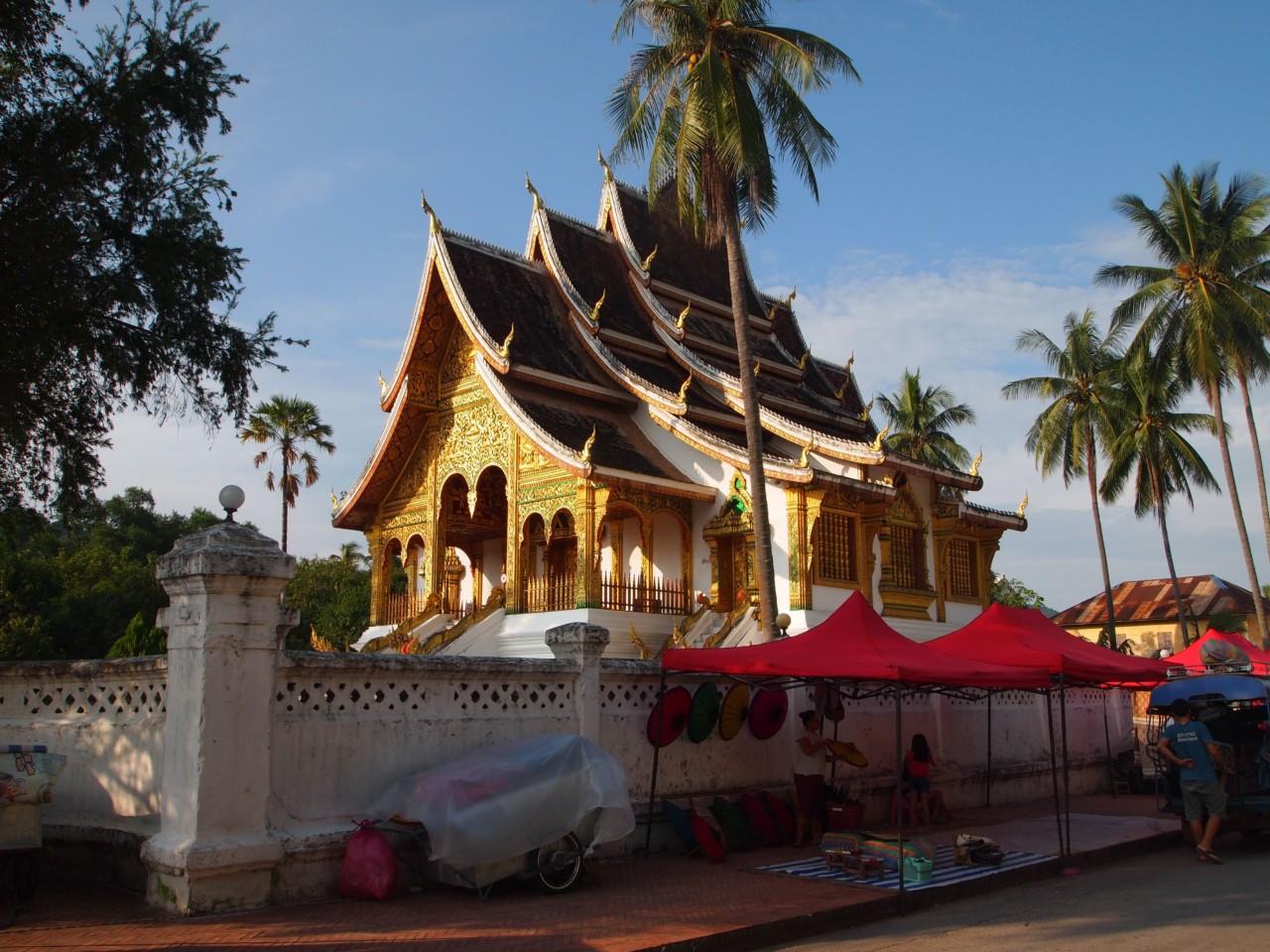 Einer der 32 Tempel in LP.