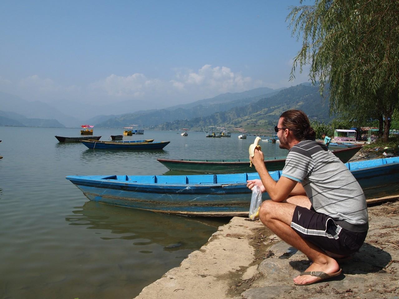 In Pokhara in einer üblichen asiatischen Position ;)