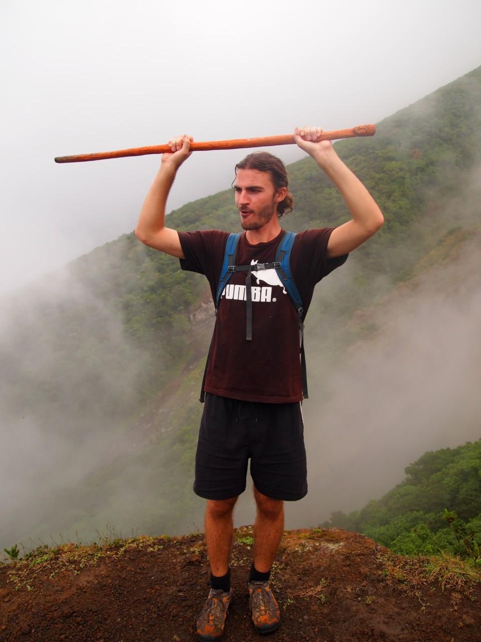 Die erste Etappe beim Erklimen des Vulkans ist geschafft.